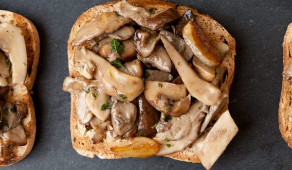 Warm Canapés with porcini mushrooms
